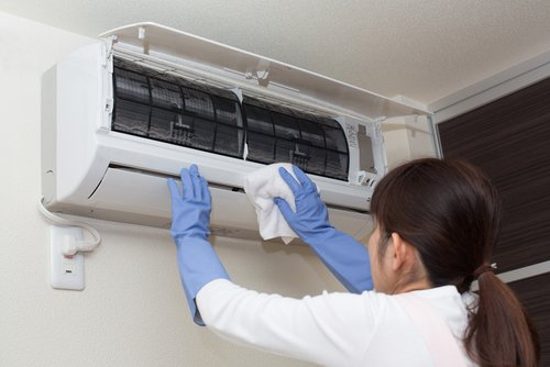 vệ sinh máy lạnh Hóc Môn